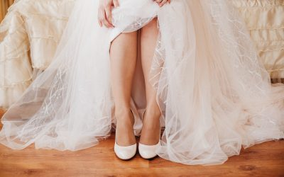 lace-shoes-wedding-bride-heels-style-white-dress-tender-image-beautiful-legs_t20_go632k